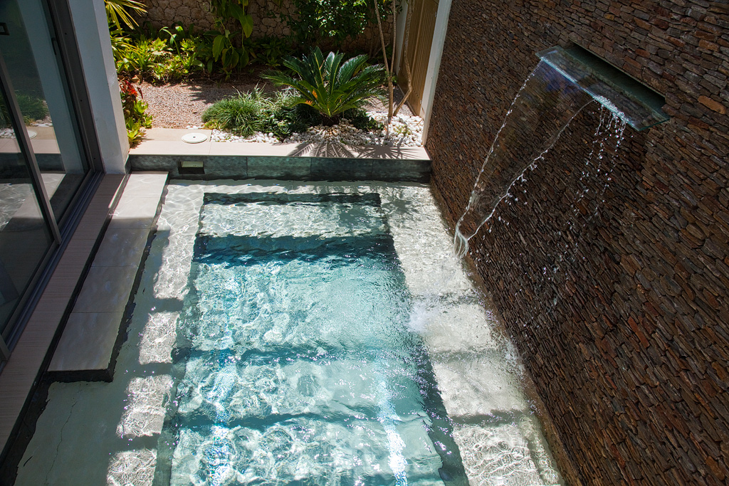 Villa Sofia – The Jacuzzi Suite – Jacuzzi Swim Out