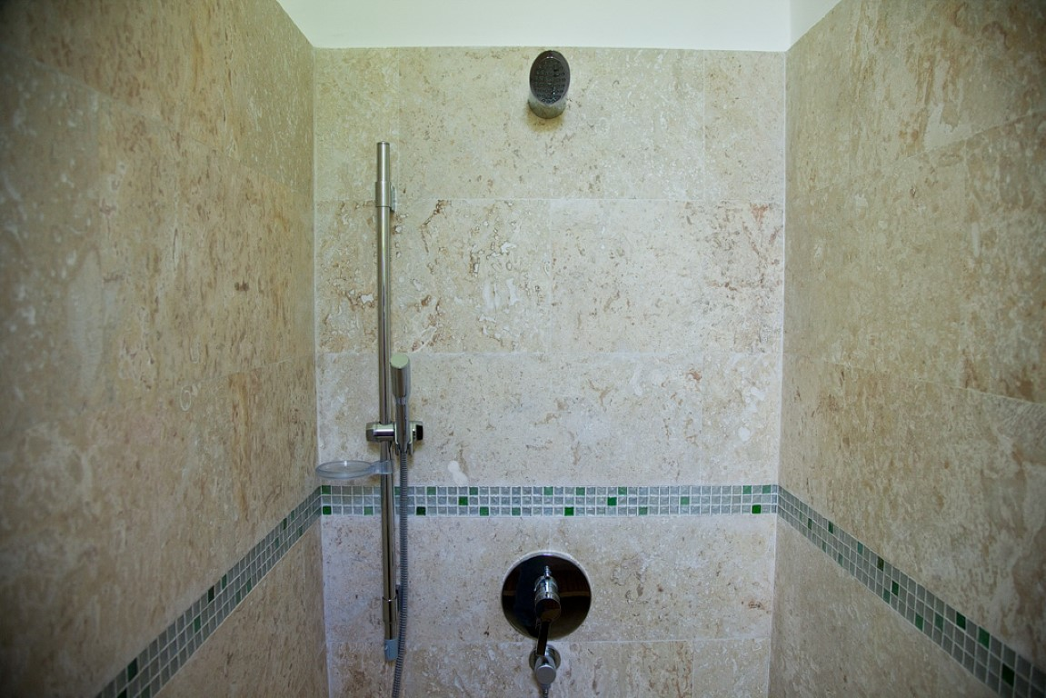 Villa Sofia – The Superior Suite – Shower