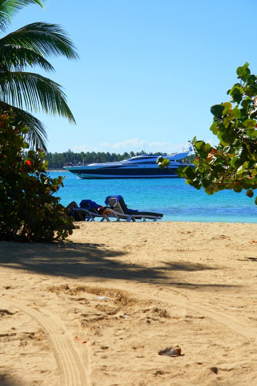 Las Terrenas Views – Beach W/ Boat